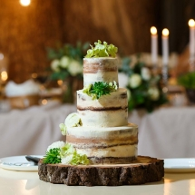 Wedding Cake Hire Norfolk - Rustic Log Slice Cake Stand - Vintage Partyware